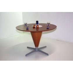 miza Calice, bukev ali češnja